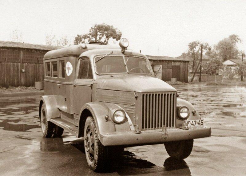 ГАЗ-51. И санитарный, и пожарный, и ассенизационный...