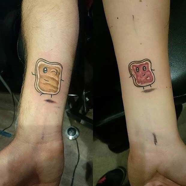 10 крошечных парных татуировок, сделанных влюблёнными парами