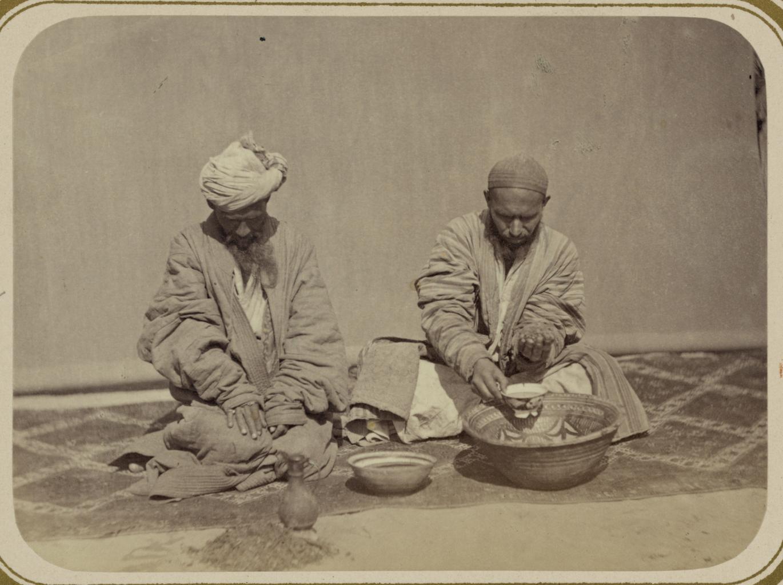 Места общественных собраний. Приготовление чая из маковых головок