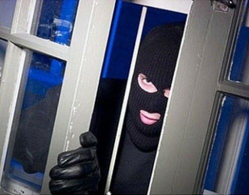 Спасатель МЧС был арестован за многочисленные кражи