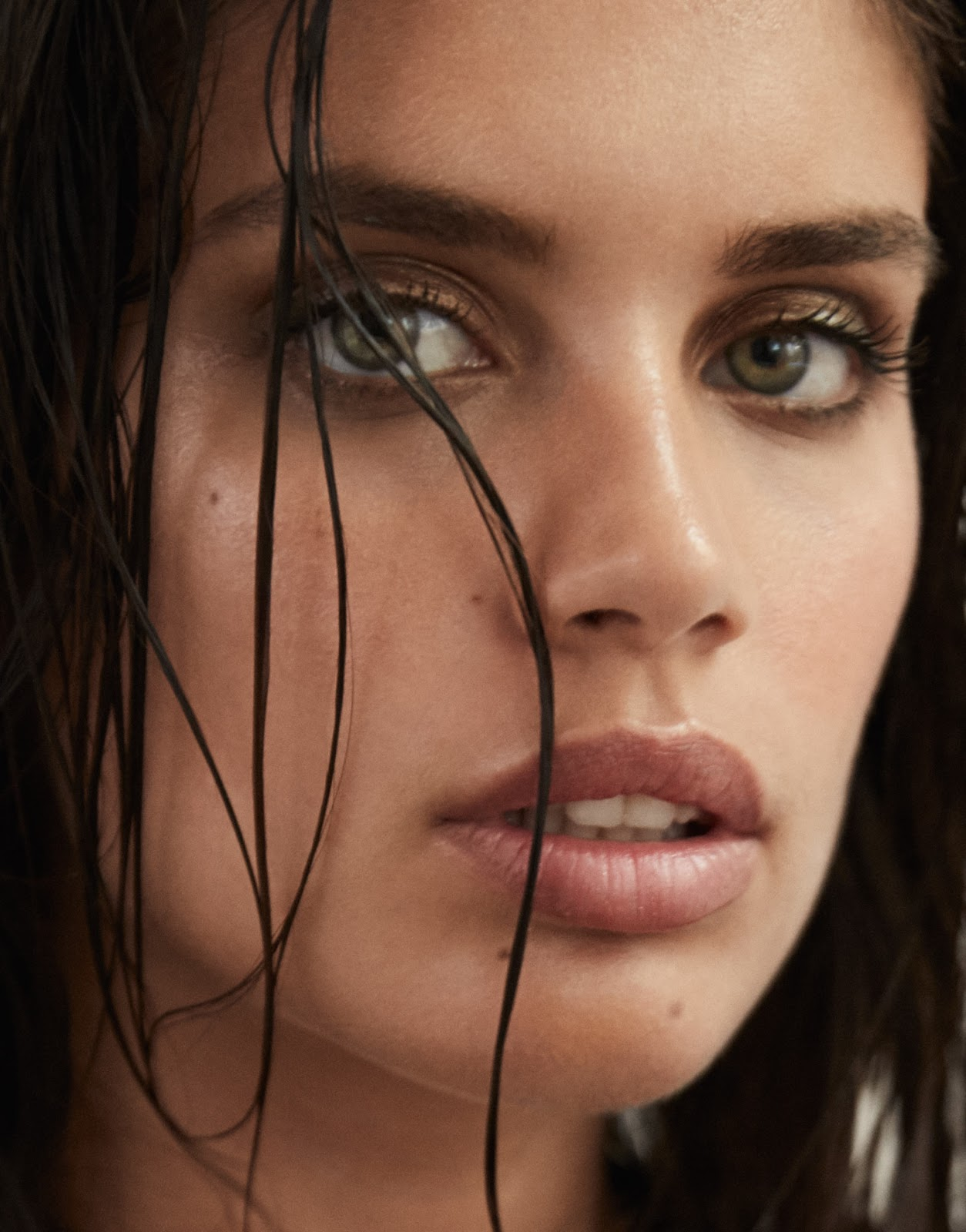 Hot Right Now The Edit August 2016 / Sara Sampaio by Yelena Yemchuk