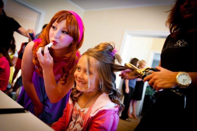 Академия детской красоты. Наш центр проводит общие и индивидуальные занятия
