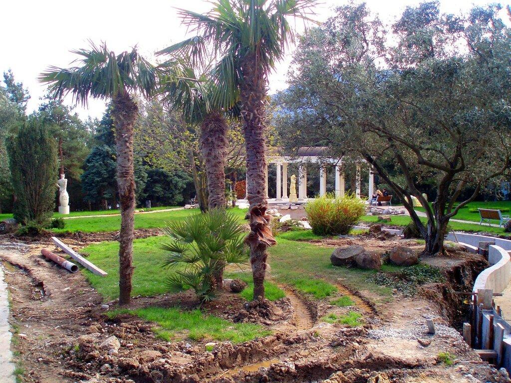 """Античный сад"", парк Парадиз или парк-памятник"