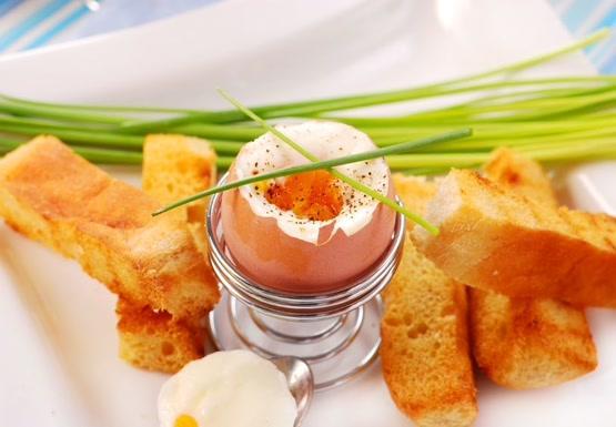 4. Яйца Не так давно, такой привычный и любимый многими продукт, как куриные яйца, тоже попал в опал