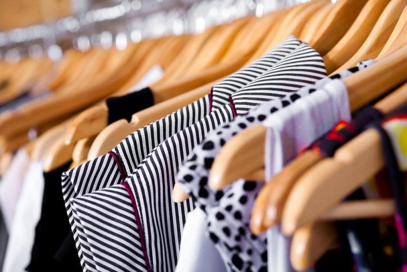 2. Выбери одну вместительную сумку для работы нейтрального цвета, которая подходит под большинст