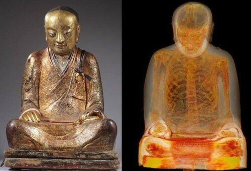 Статуя Будды оказалась мавзолеем монаха