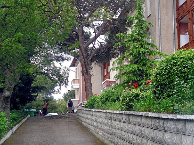 Алупка, храм Александра Невского