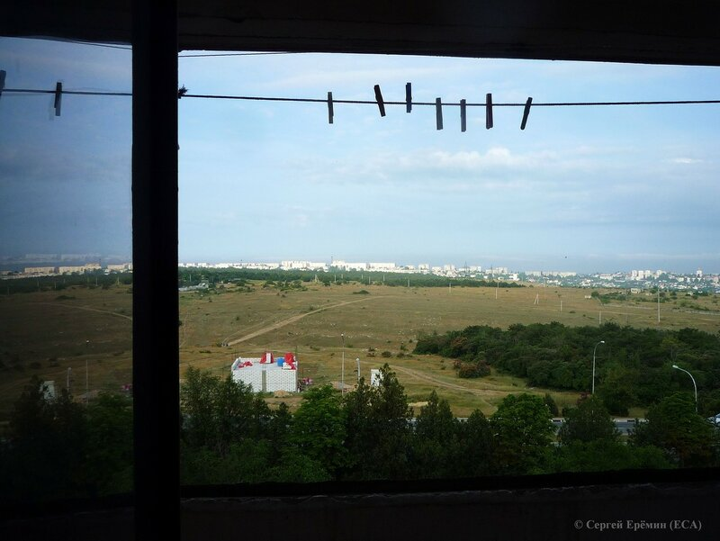 Вид из окна на лето