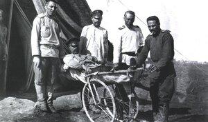 Эвакогоспиталь. Демонстрация колесных носилок
