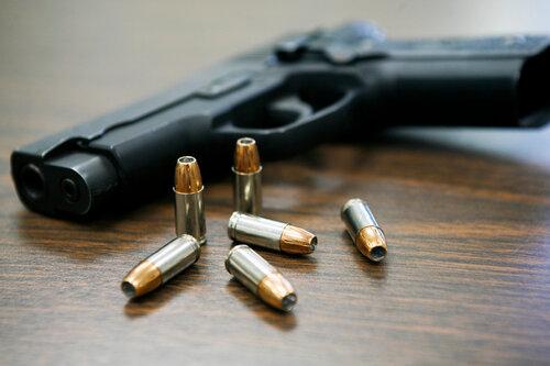 В Бельцах избили и ограбили троих молодых людей