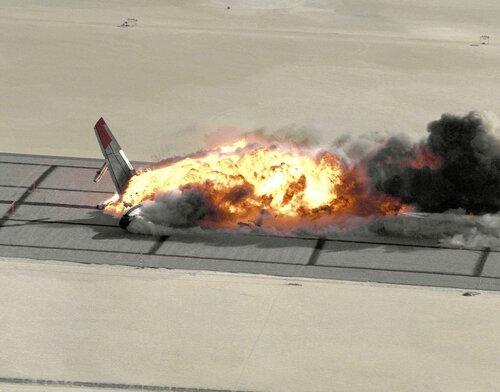 В аэропорту Мальты разбился легкомоторный самолет
