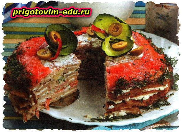 Блинчатый торт с копченой рыбой
