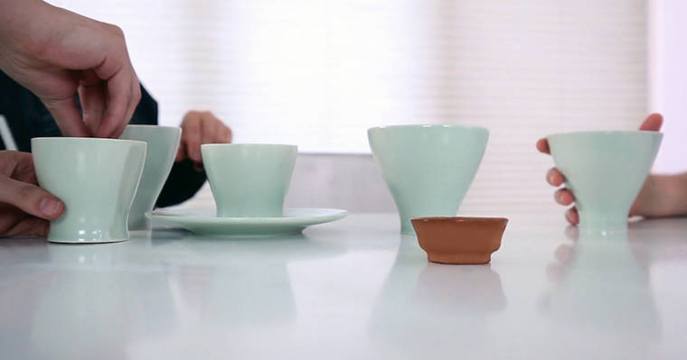 Cremation Design - Using the ashes of dead people to create dinnerware