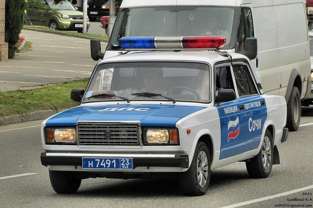 02 ВАЗ-2107 ДПС.jpg