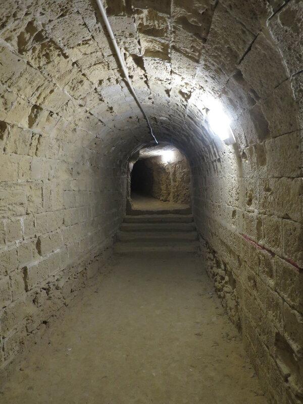 Туннель на нижний уровень юго-западного бастиона