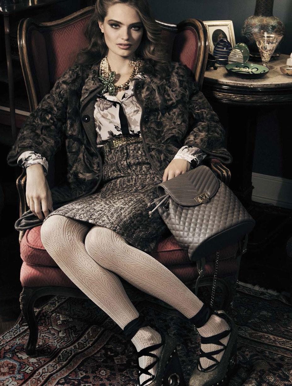 Blanca Padilla and Anna Mila Guyenz by Greg Lotus - Vogue Italia october 2016