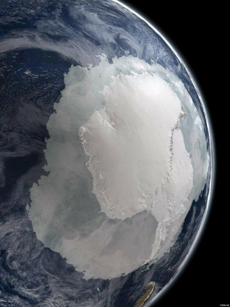 Антарктида из космоса.jpg
