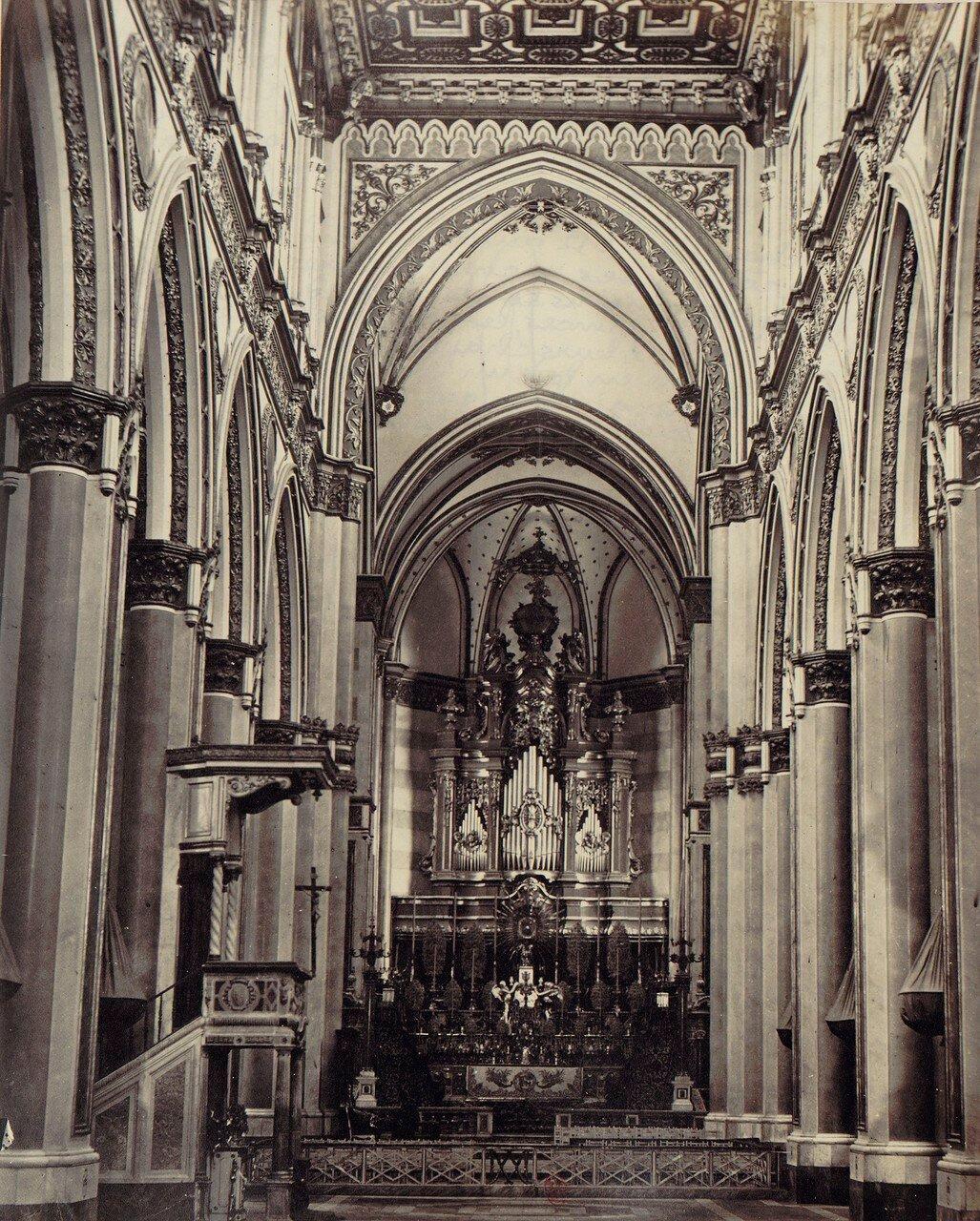 48. Церковь Сан-Доменико Маджоре, чье строительство было начато в 1289 году королем Карлом II Анжуйским