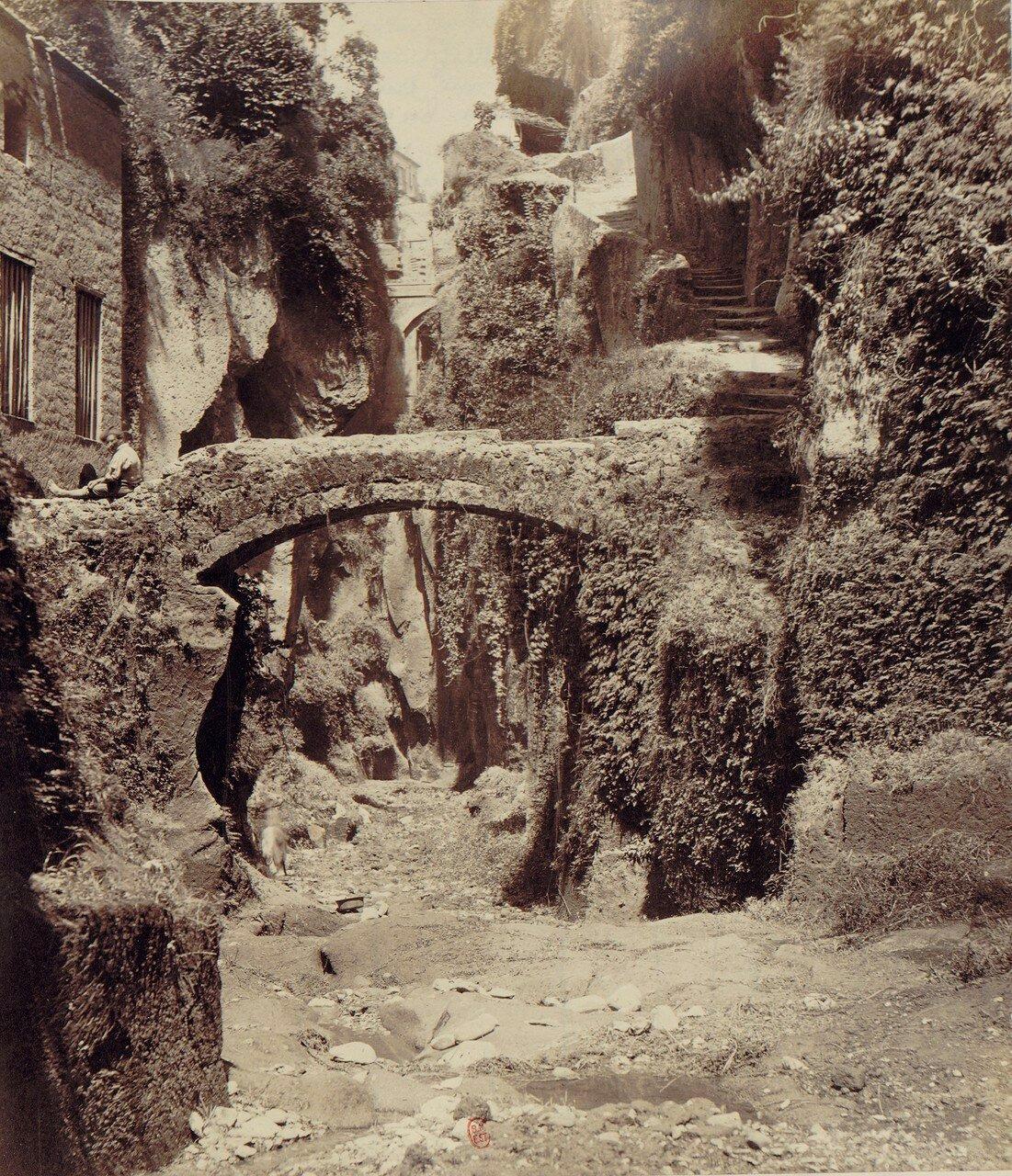 97. Окрестности Неаполя. Ущелье недалеко от Сорренто