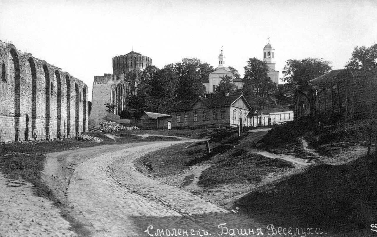 Башня Веселуха и Покровская церковь. 1905