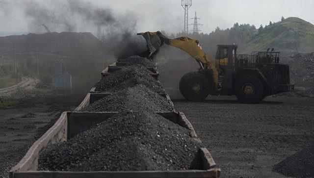 ФАС подозревает сговор из-за пробки в 30 тысяч вагонов наКузбассе