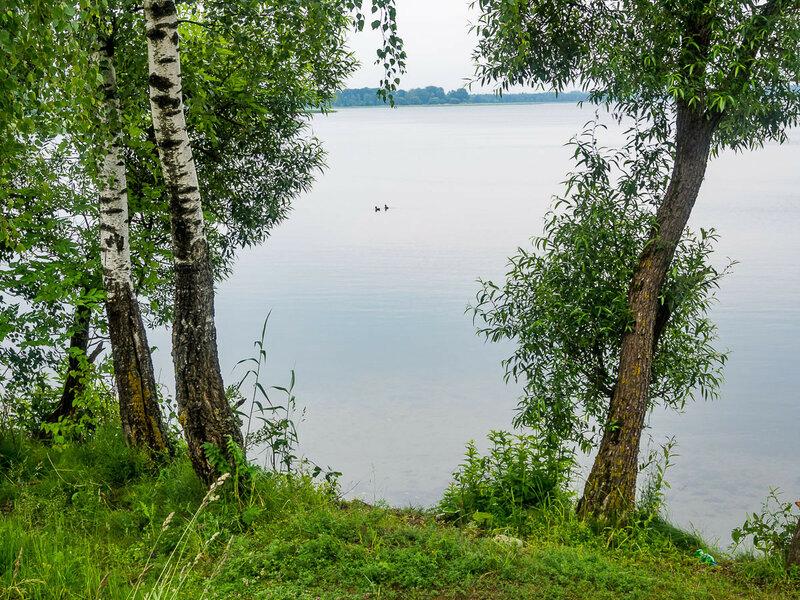 Озеро Мястро на въезде в Мядель.