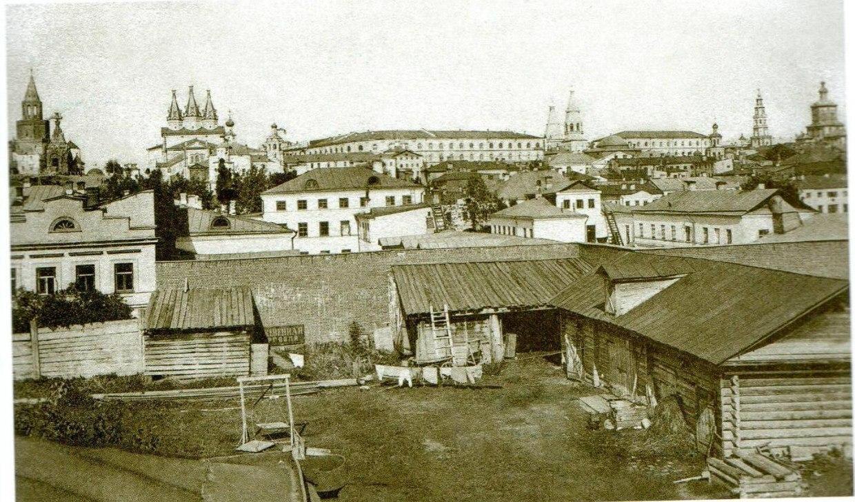 Вид на Кремлевский холм с протоки Булак
