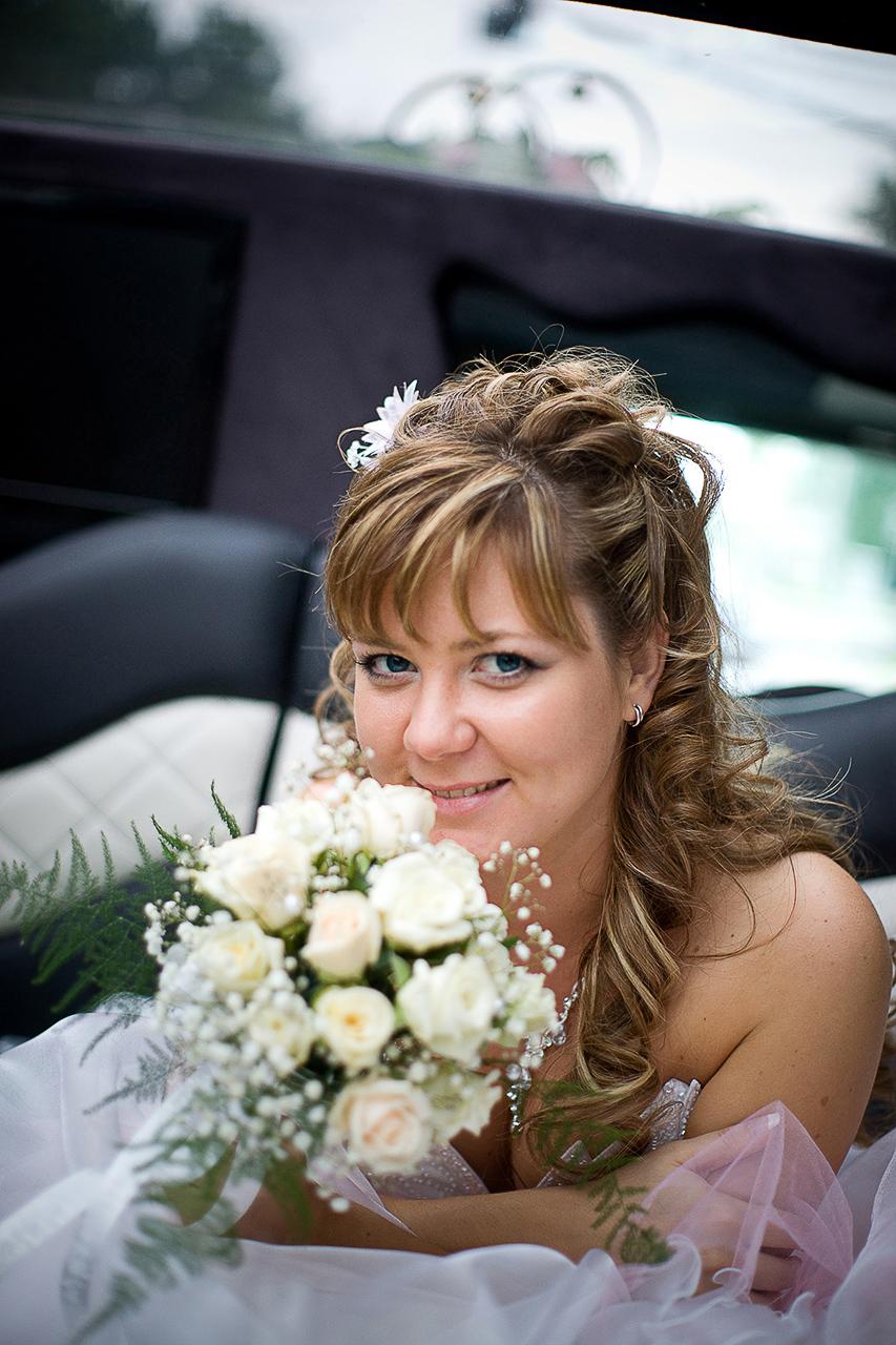 Не все свадьбы проводятся в в летние месяцы. В октябре или ноябре также играют немало свадеб. Даже такие зимние месяца как декабрь, январь и февраль не являются исключениями для свадеб