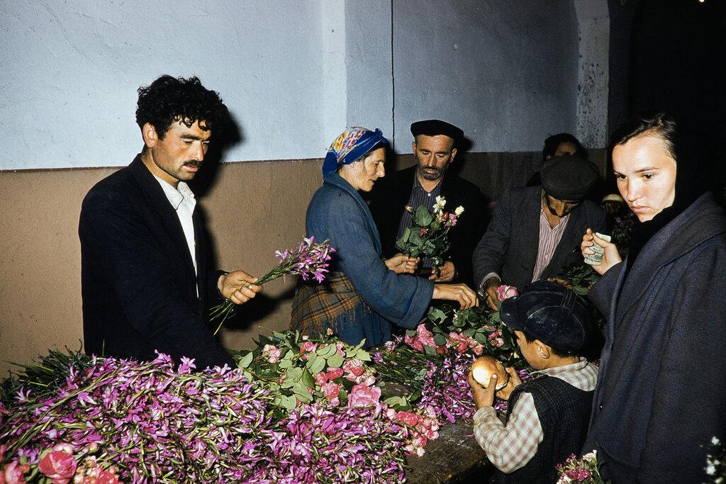 Georgia, flower merchant at market