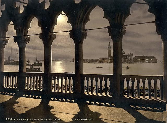 Вид на Сан-Джорджо от Дворца дожей.
