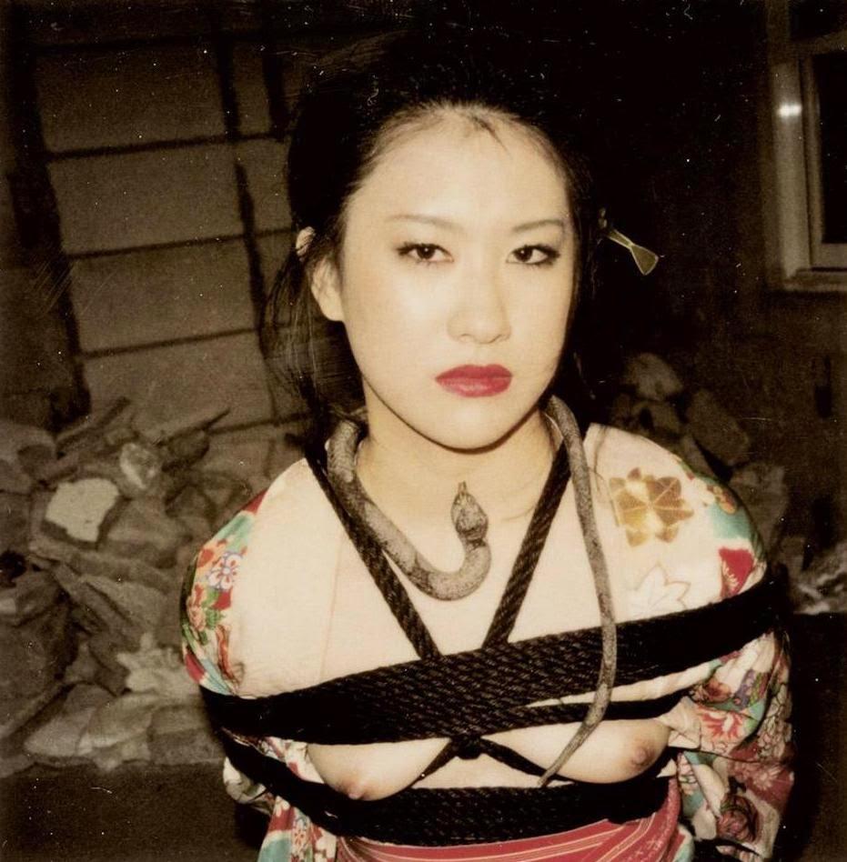 Пикантные фотографии самого известного японского мастера