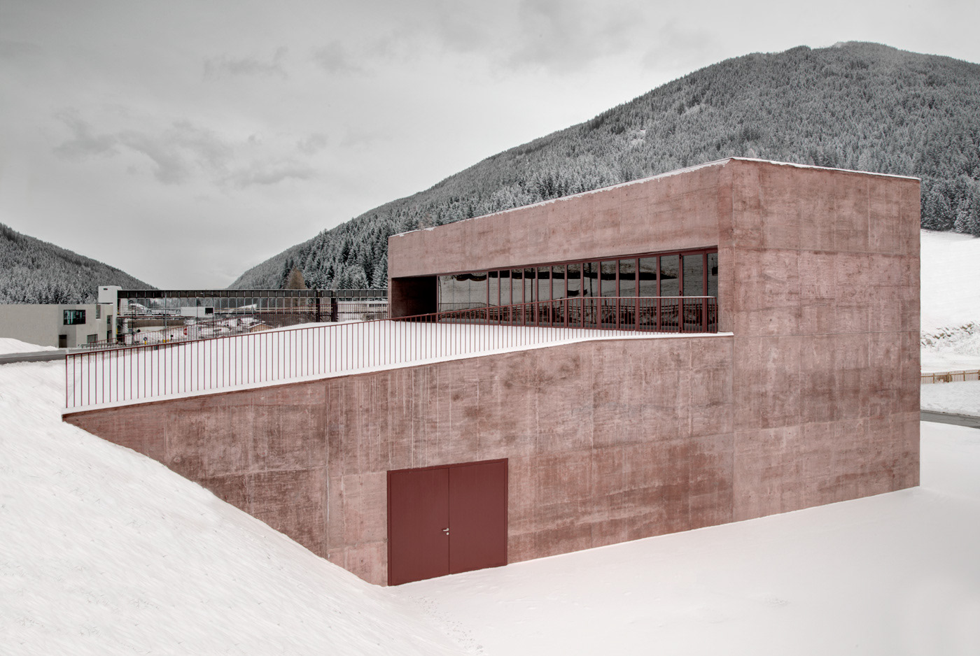 Two Monochromatic Italian Fire Stations (15 pics)