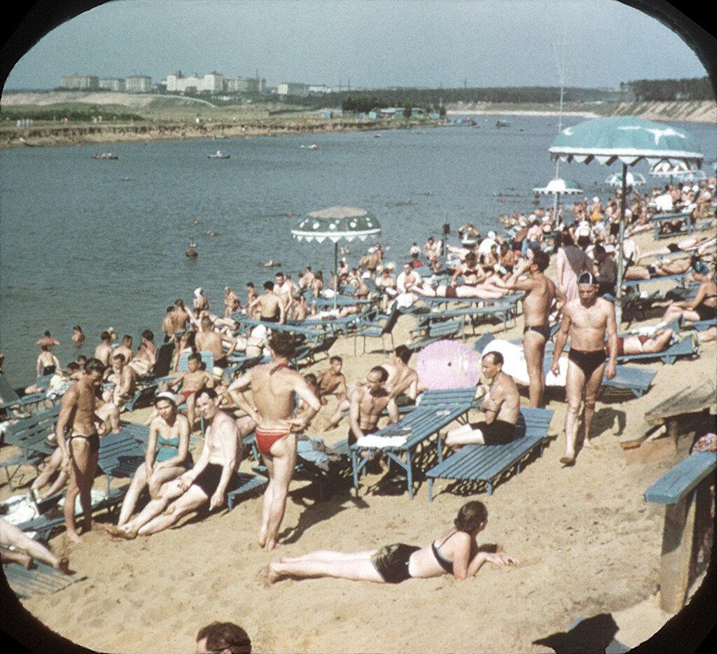 25146 Пляж в Серебряном бору сер. 50-х.jpg