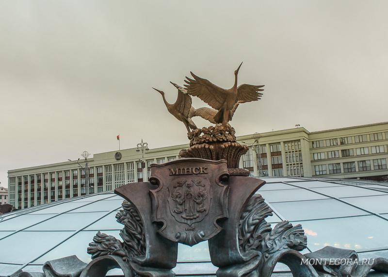 Центр Минска мне чем-то напомнил Манежную площадь в Москве