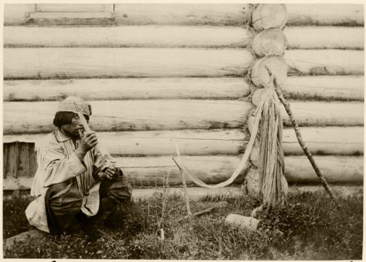 Плетение сетей. Село Калганак, Васюган