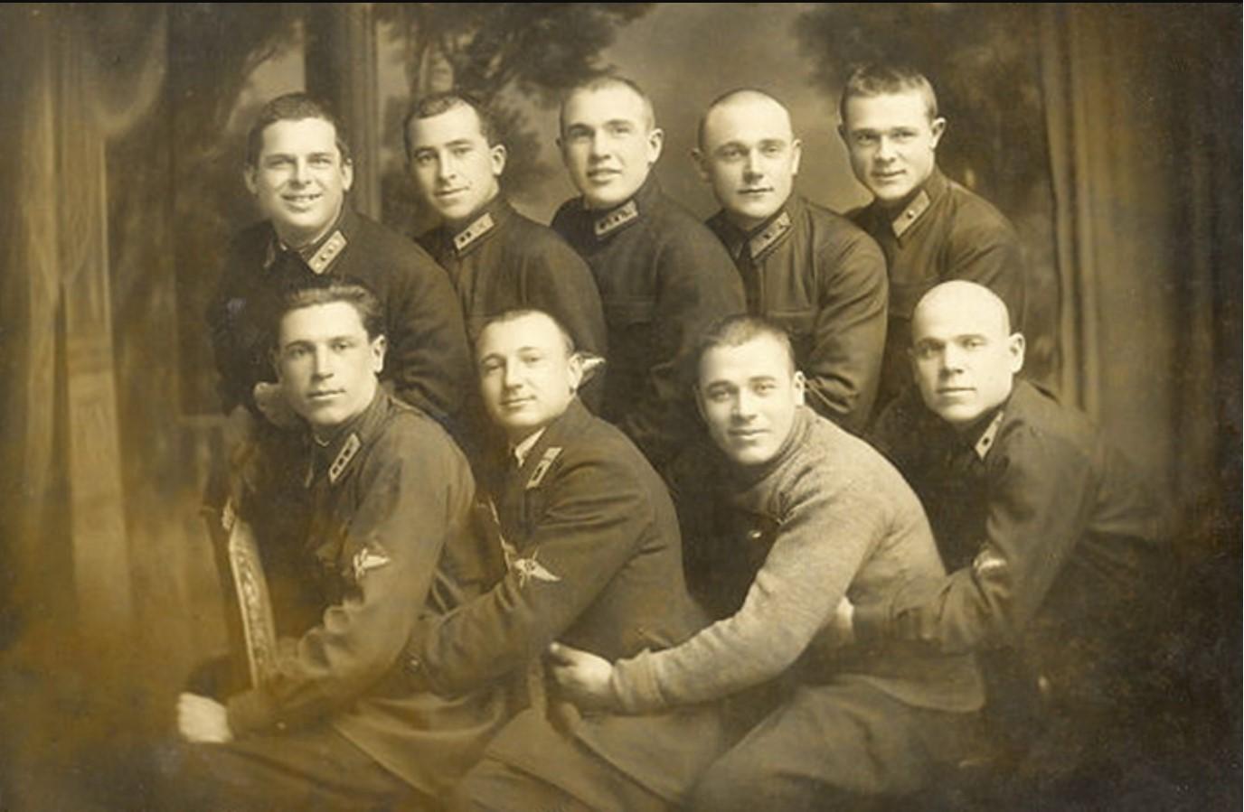1931. Выпускники