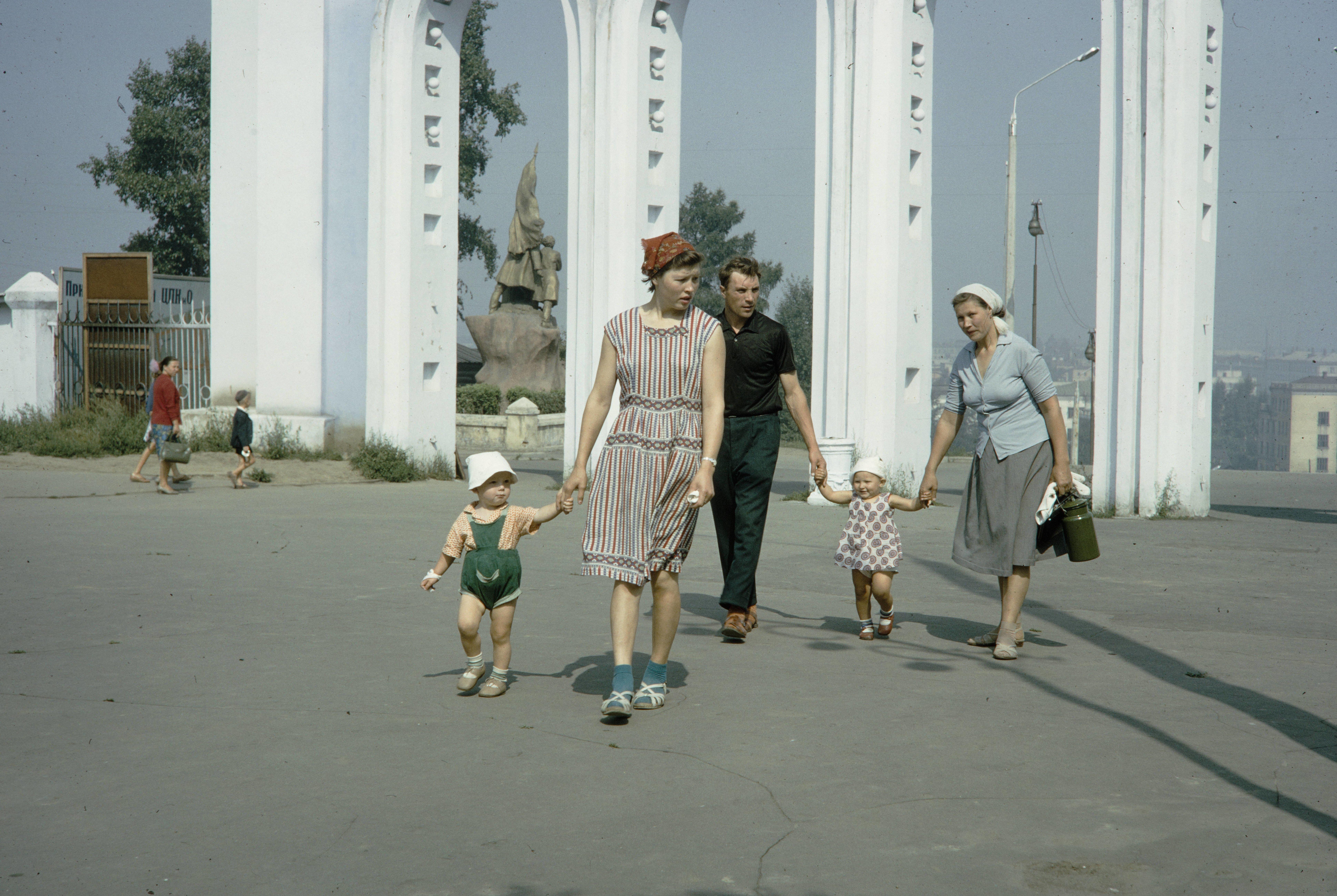 ЦПКиО. Вход в парк со стороны улицы Коммунаров