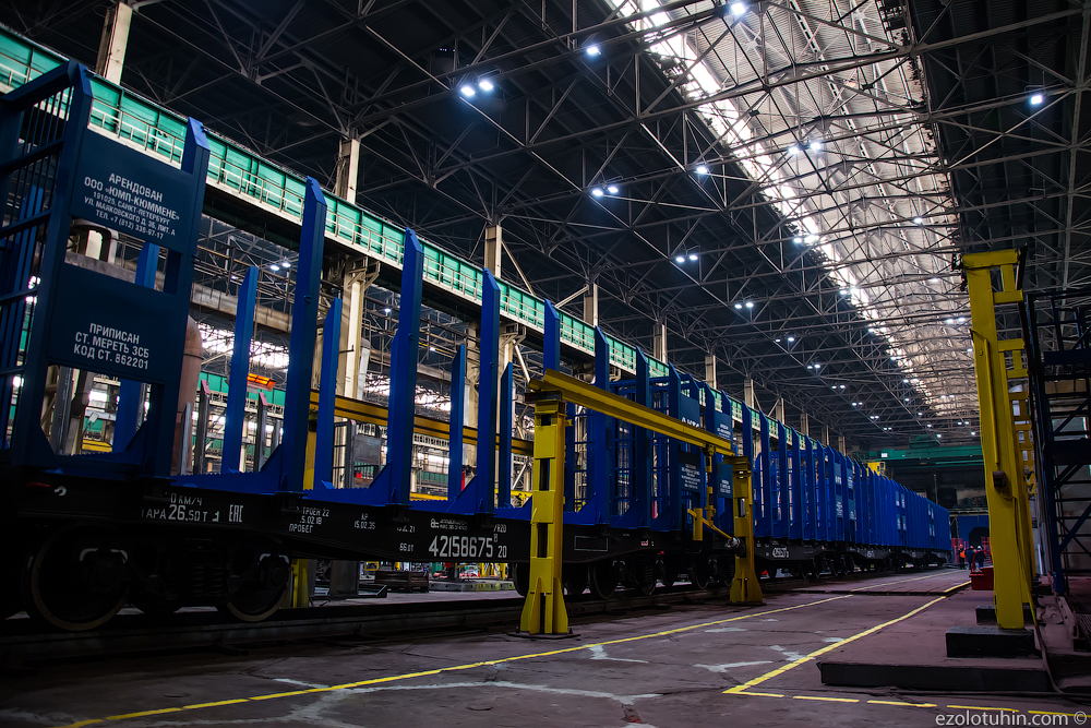 Kemerovo machine builders began to produce new railway platforms, a plant, a new, a new, a platform, a new, an iron, a platform, a ship, which, now, go ahead, lines, cargo, production, Kemerovo, Kemerovohimmash, to the plant, so
