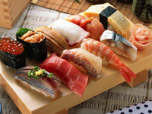 rolly_sushi_yaponskaya_kuhnya_eda_moreprodukty_70060_1600x1200.jpg