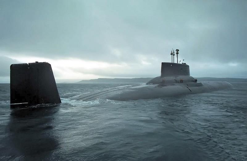 0 1801a6 9c19ebb6 orig - Самая большая подлодка в мире. Конечно, наша - русская.