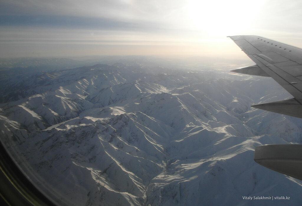 Перелет над горами, Кыргызстан