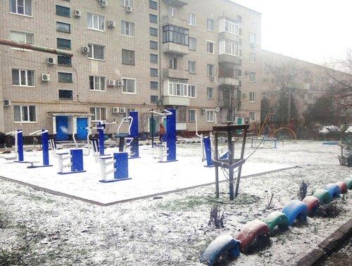 23 февраля 2018, 15:48:47, и тренажёры посетила, со снегом, милая Зима ... DSC04232.JPG