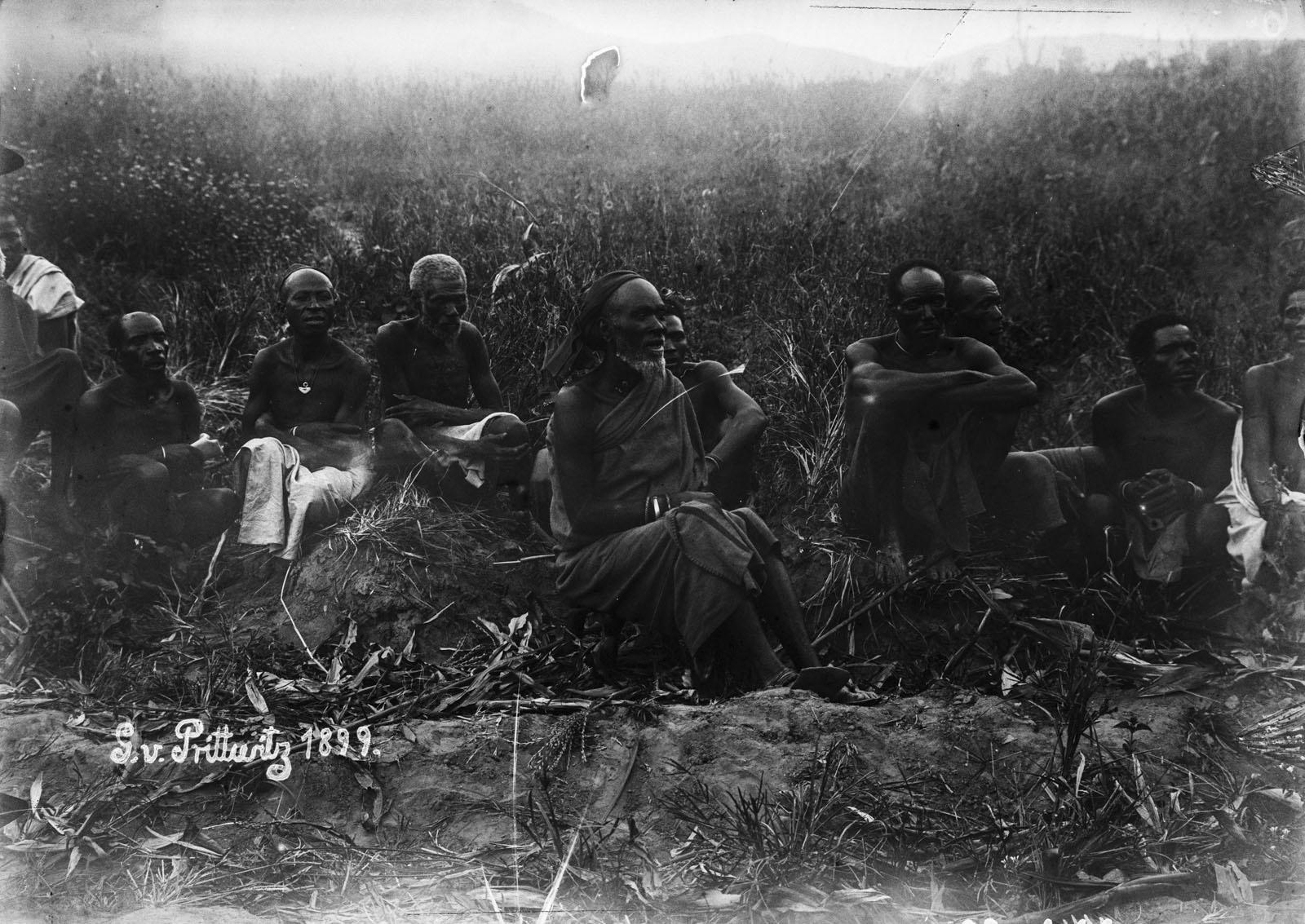 18. 1899. Портрет группы мужчин из Руквы