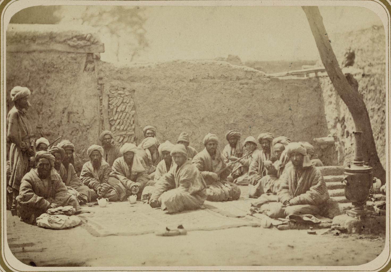 Места общественных собраний. Кукнархане, чайхана, в которой готовят чай из маковых головок