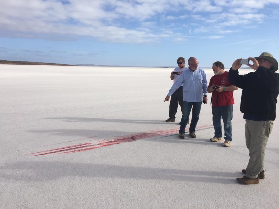 Валери Томпсон упала на скорости 299 миль/час при попытке установить рекорд скорости в Австралии