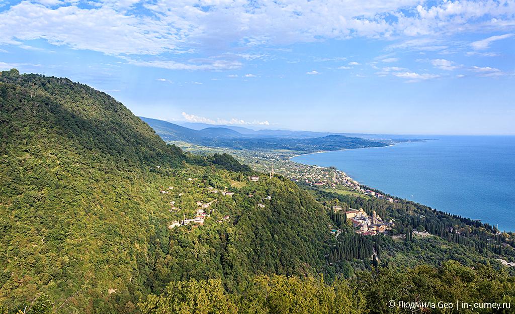 горы и море в Абхазии