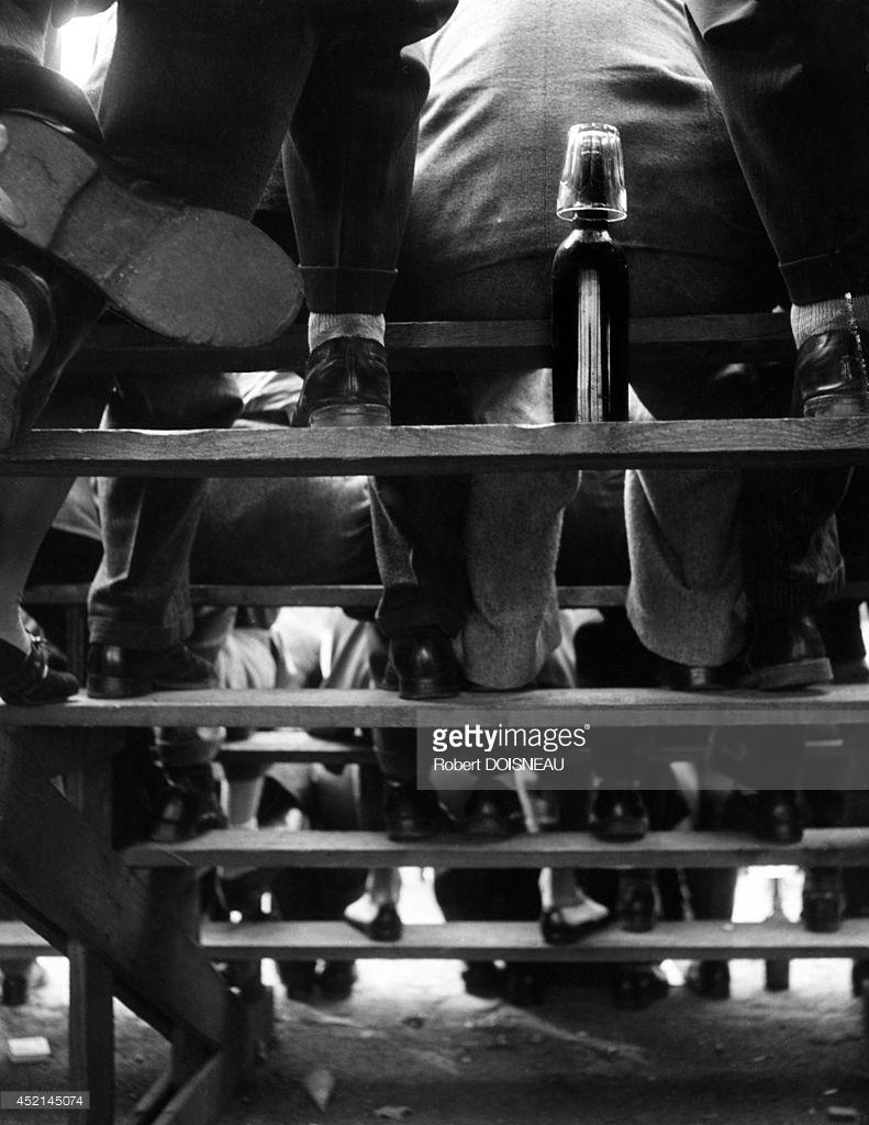 1950. Трибуны во время чемпионата по петанку, Руан