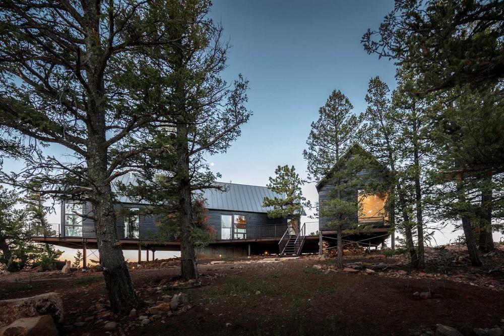Два домика для семейного отдыха в США
