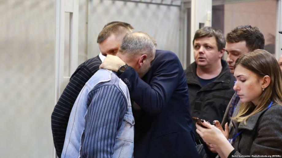 Задержание Бубенчика, подозреваемого в убийстве двух силовиков: фоторепортаж из зала суда