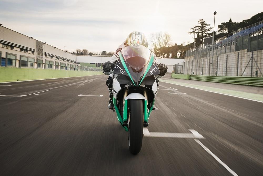 Energica Ego Corsa - официальный электроцикл FIM Enel MotoE 2019